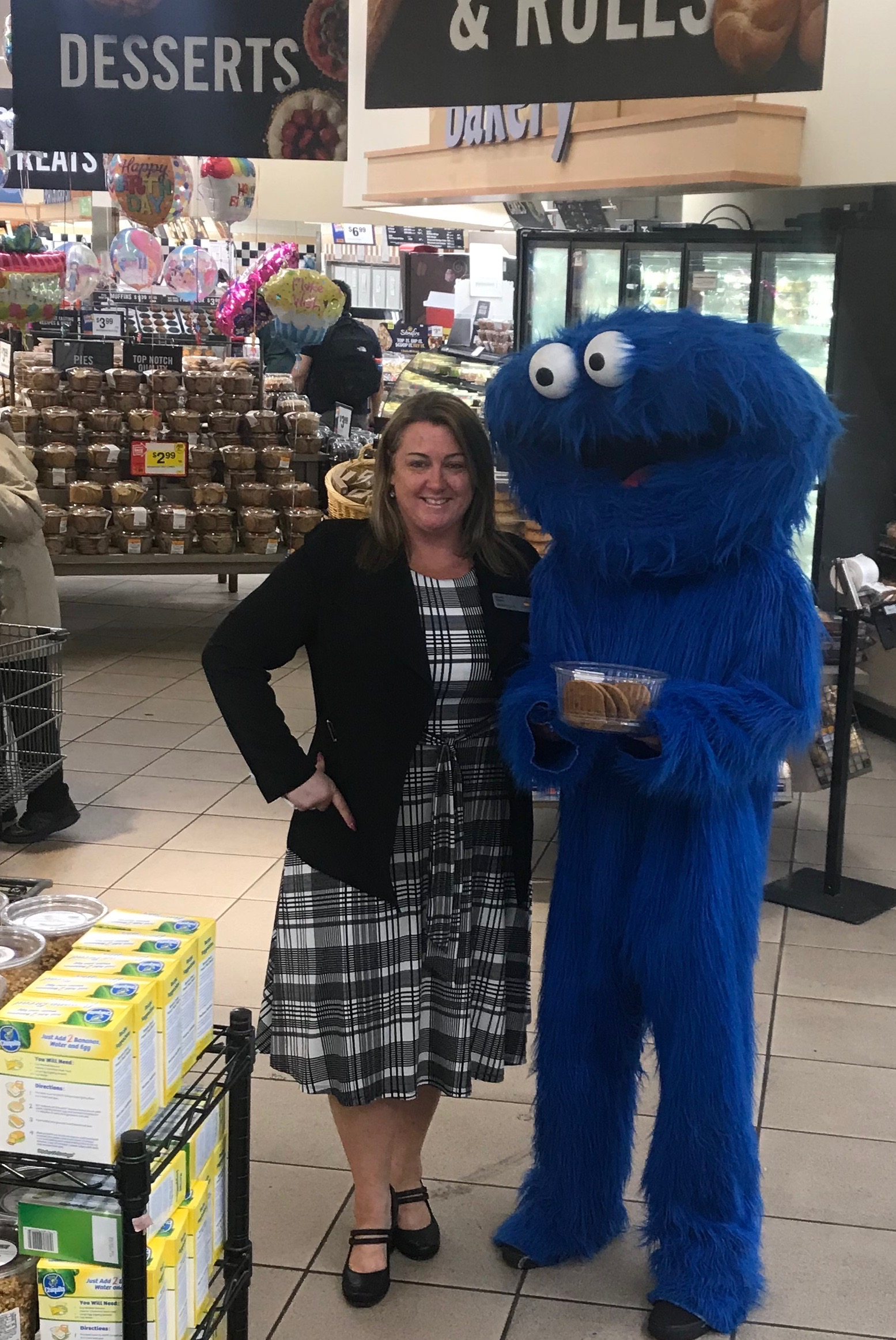 Store 2594 Creating A Selling Culture With The VP Of Sales Diane And The Cookie Monster!